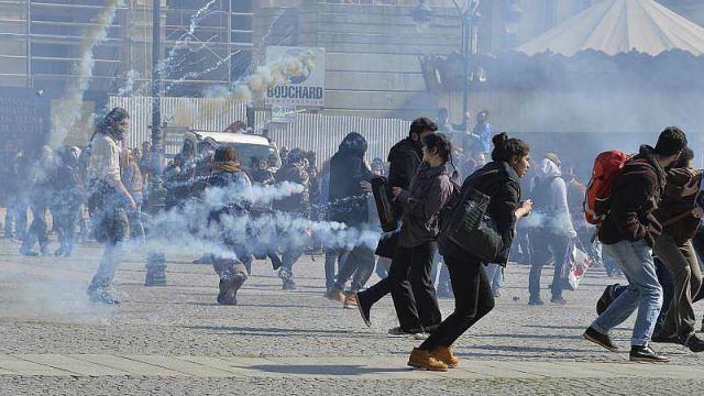 video.loi-travail.affrontements-devant-la-mairie-rennes